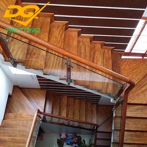 Ốp bậc cầu thang gỗ tự nhiên lim nam phi#1