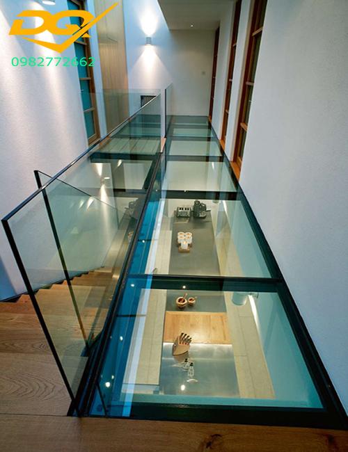 Sàn nhà bằng kính cường lực đẹp#1